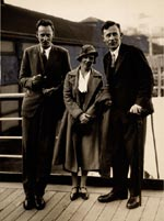 Gregory-Bateson-Margaret-Mead-Reo-Fortune-Sydney-Australia-July-1933-after-their-return-from-Papua-New-Guinea..jpg