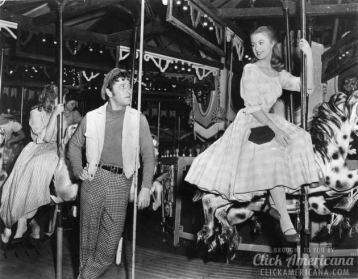 Shirley-Jones-with-MacRae-from-Carousel-1956-630x492.jpg