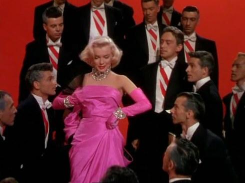 gentlemen_prefer_blondes_1953_marilyn_monroe_jane_russell_frame_20110924230656_aa_01_01a